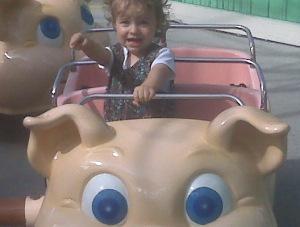 Elliot In the Piggy Parade